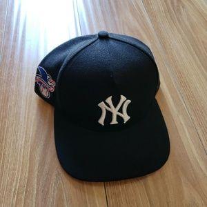 Supreme x 47 x Yankees Snapback